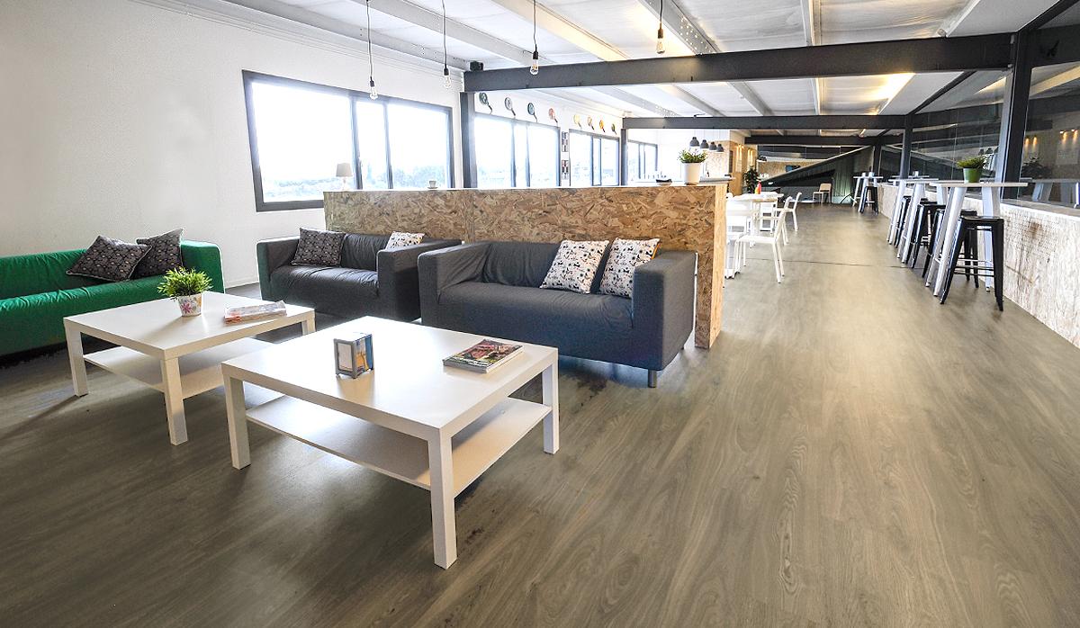retail-bar-cafeteria-lowcost-interiorismo-online-tenismonteverde-santander-3