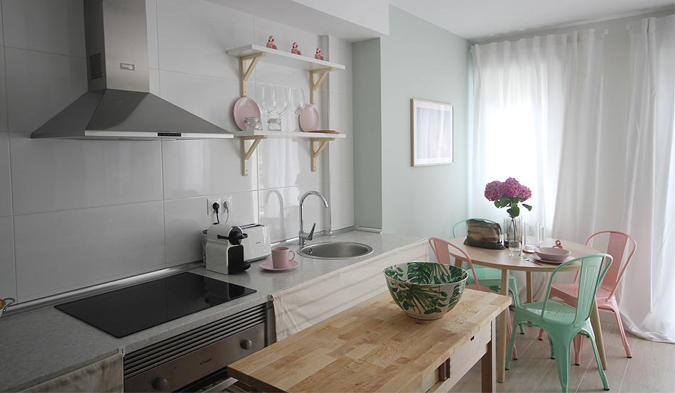 PG2_decoracion_salon_airbnb_santander_8